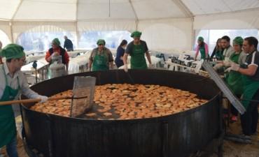 Miles de vecinos festejaron el 'Día del Amigo' con tortas fritas y espectáculos