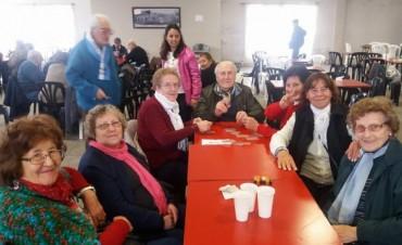 Dirección de Adultos Mayores: Exitoso  'Encuentro Recreativo' con más de 15 municipios