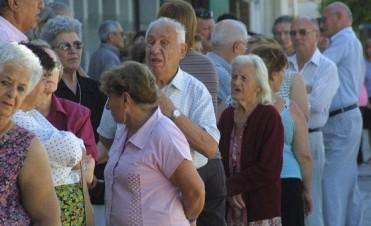 Pago a jubilados: quiénes son alcanzados por el reajuste y cómo se accede