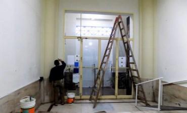 Se realizan tareas de mantenimiento en el Palacio Municipal