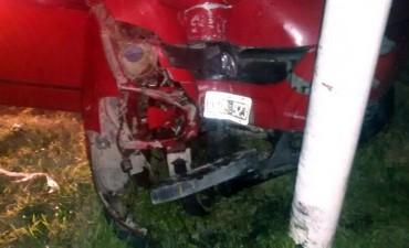 ROTONDA 65 Y 226: Una Surán chocó un poste de luz; se registraron 3 heridos