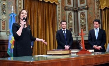 Vidal puso en funciones a sus dos nuevos ministros de Salud y Educación