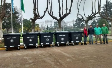 PARA RESIDUOS SECOS: Pirovano recibió cinco nuevos contenedores