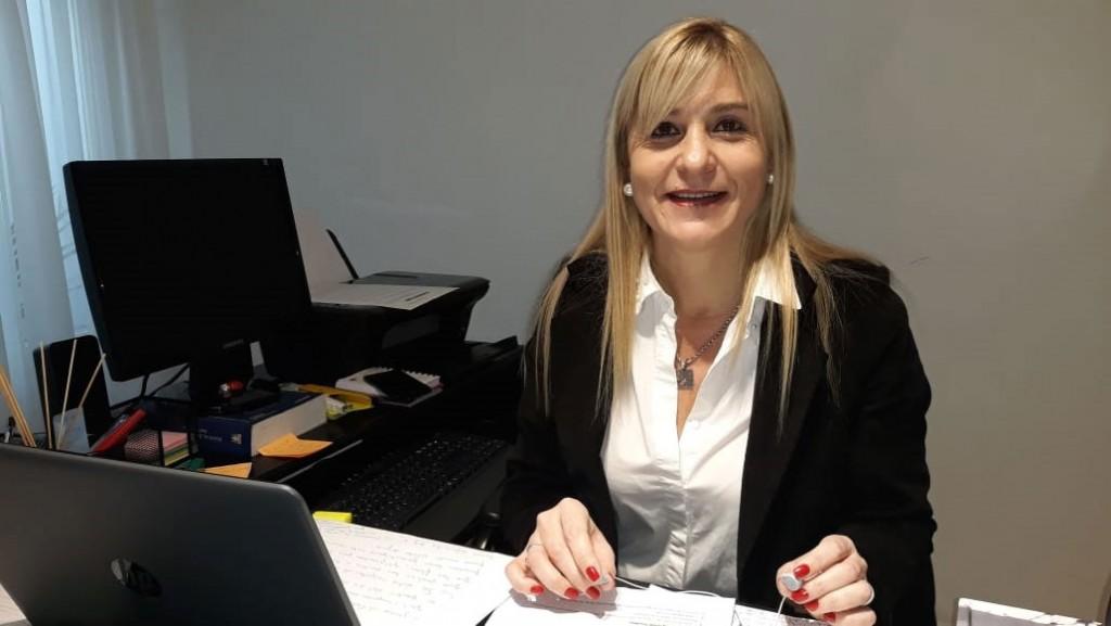 """Gabriela Rodríguez: """"Generalmente la empresa niega el reclamo, pero a nosotros nos sirve para presentarlo en la defensoría del pueblo que tramita la refacturación del servicio"""""""
