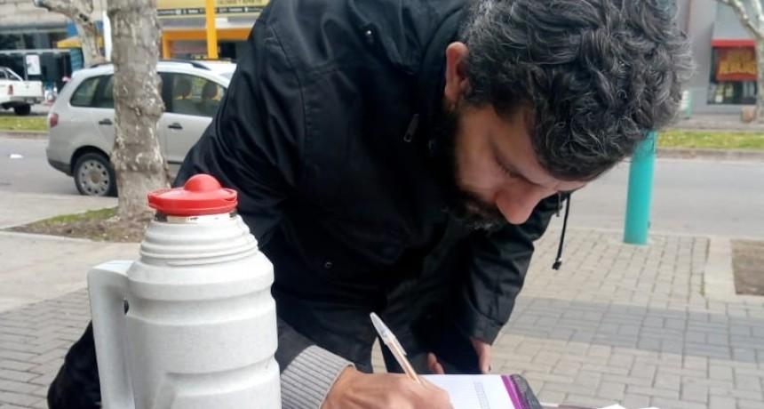 Colectan firmas en contra del acuerdo con el FMI