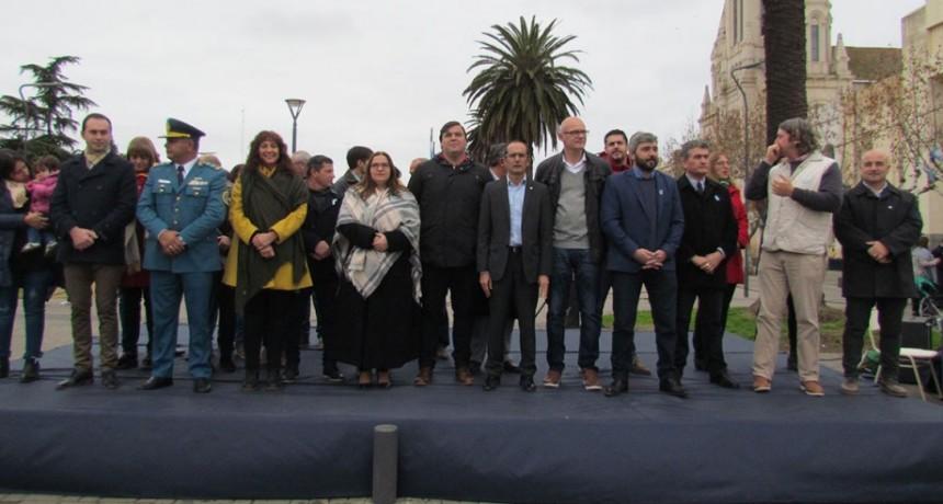 Bolívar conmemoró el 202 aniversario de la independencia Argentina