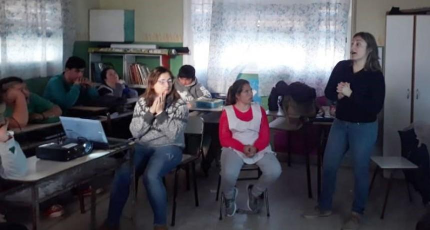 Se dictó un curso de manipulación de alimento en la escuela N.º 501
