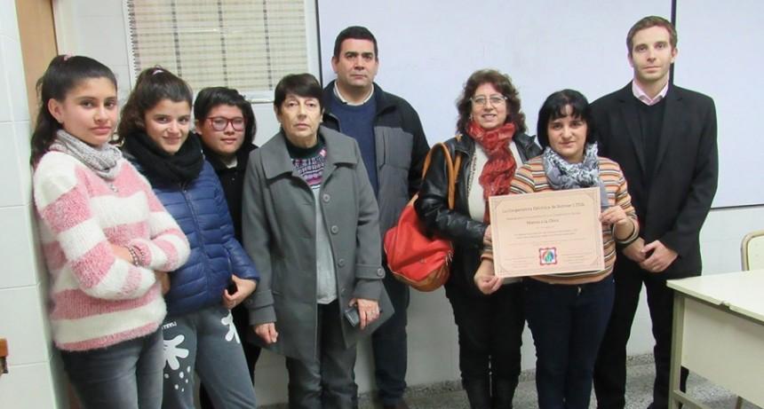 Integrantes del consejo de administración de la cooperativa eléctrica fueron recibidos en la EEM nº 2