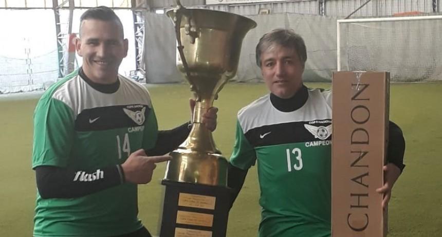 Fútbol Senior; Marcelo Del Rio gritó campeón con Casariego y busca otro título en Olavarría