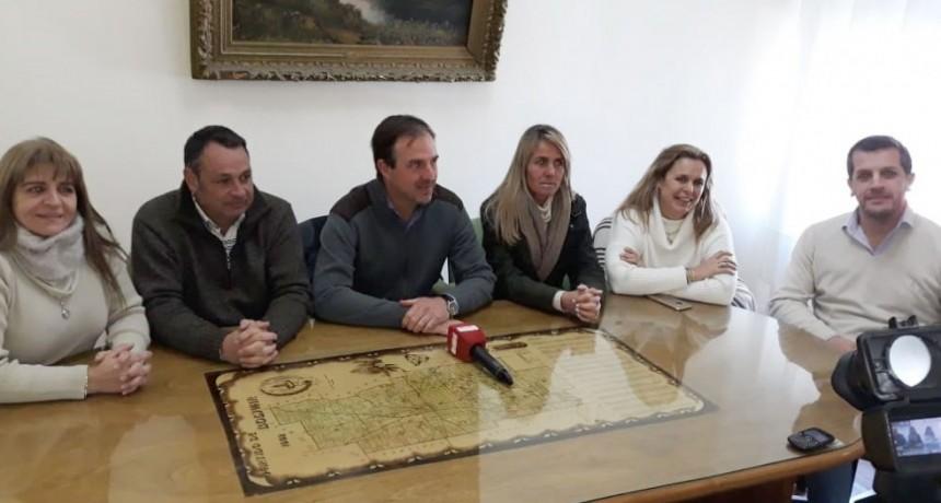 Bolívar recibió la visita de los senadores  Alejandro Cellillo y Carolina Tironi