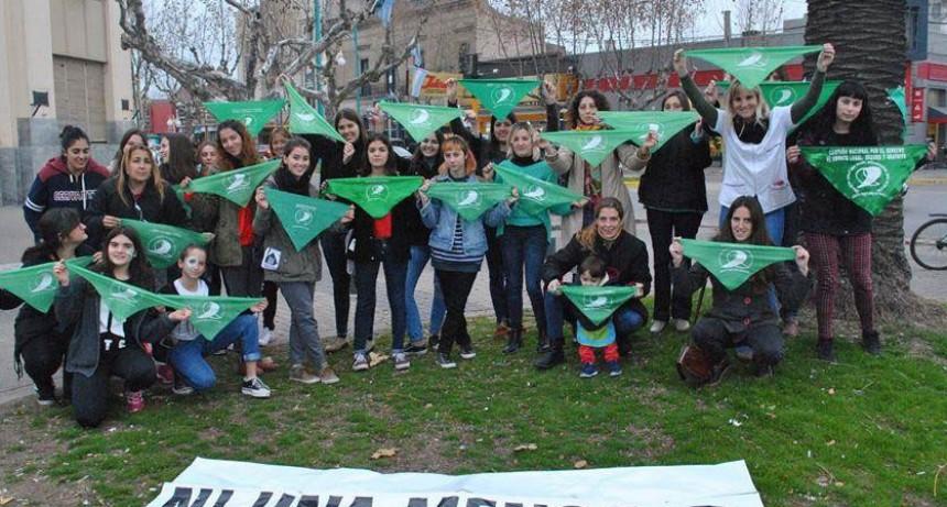 Colectivo Ni Una Menos Bolívar: Pañuelazo por la legalización del aborto