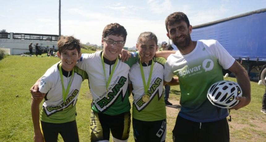 Tres alumnos de la escuela de ciclismo viajan a Córdoba