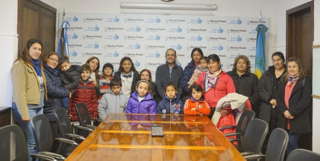 Pisano recibió alumnos de la escuela primaria N°17 y del JIRIMM N°1 de Unzue