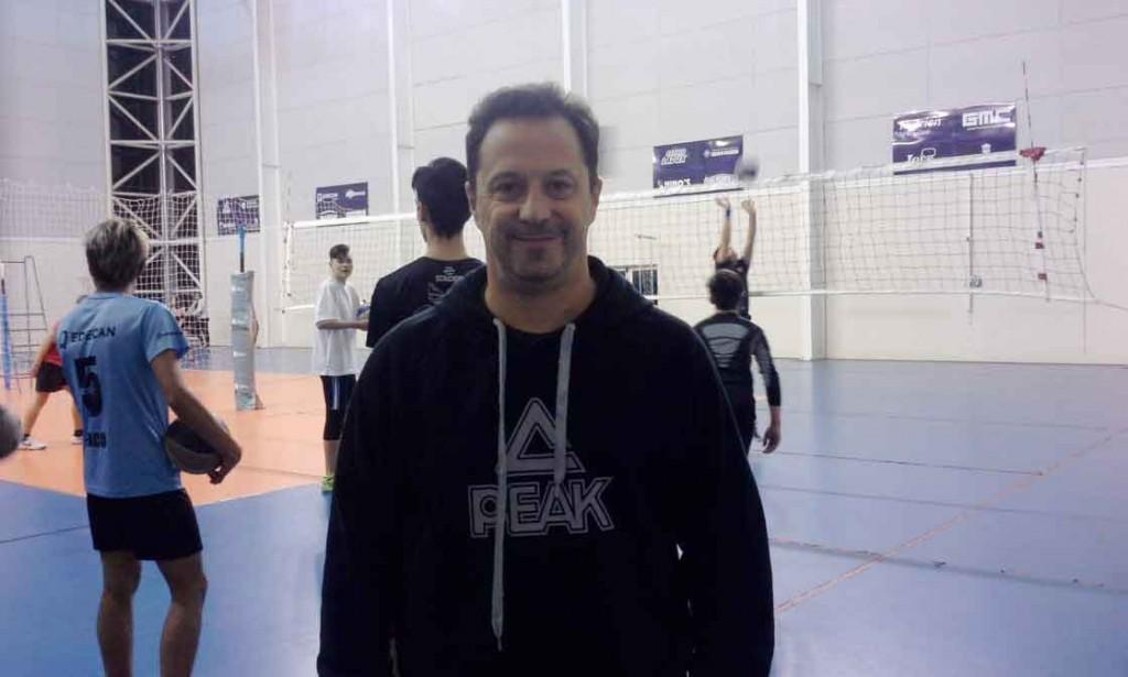 Rodrigo Martínez Granados: 'Yo voy viviendo el día a día y disfruta de ser parte de uno de los mejores cuerpos técnicos de voley de Latinoamérica'