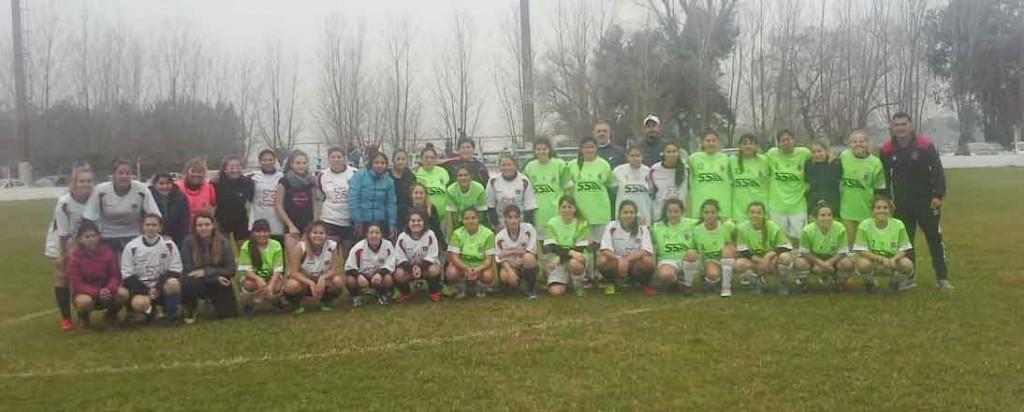 Gran amistoso de futbol femenino entre Balonpie y Club Atlético Urdampilleta