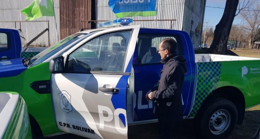 El Intendente Pisano recibió el nuevo móvil para la Patrulla Rural