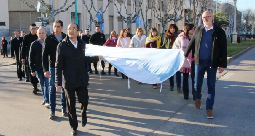 El Intendente Marcos Pisano encabezó la celebración por el Día de la Independencia