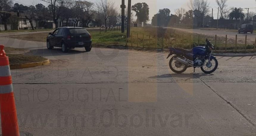 Un motociclista debió ser hospitalizado tras un choque en Av. Mariano Unzué