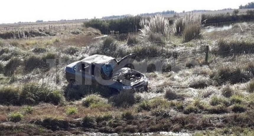 Despiste y vuelco sobre Ruta 226 km 266; una mujer herida