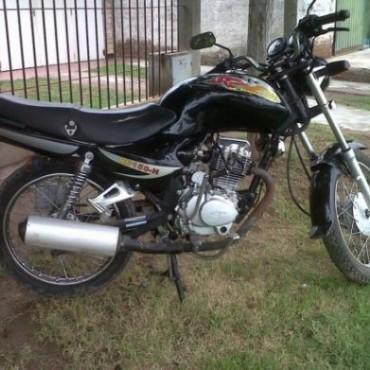 Sustrajeron una moto de la calle Paso
