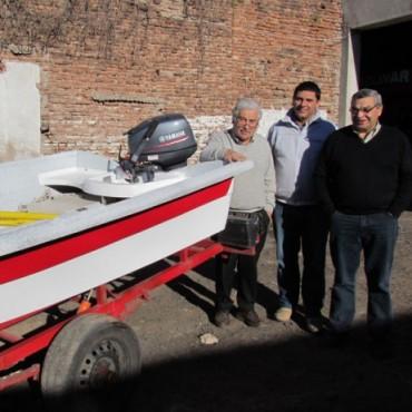 Bomberos adquirió un bote apto para el buceo
