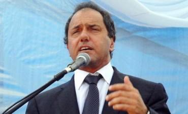 Scioli elogió a Aníbal Fernández y a Julián Domínguez, no dando pistas de ningún favoritismo