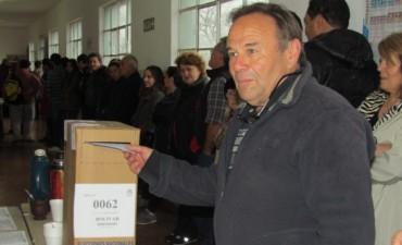 Votó Adalberto Sardiña