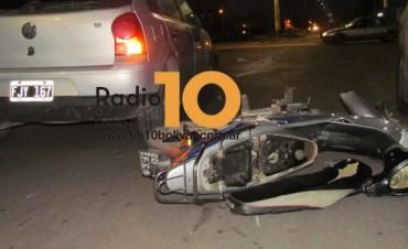 Motociclista hospitalizada tras un accidente de tránsito