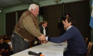 El Intendente se reunió con vecinos de los barrios: Jardín, Los Troncos y Los Tilos, para tratar el programa 'Gas Contínuo'