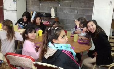 El Comedor de Bº San Juan 'Pequeños Gigantes' recibe donaciones de alimentos, indumentaria y juguetes