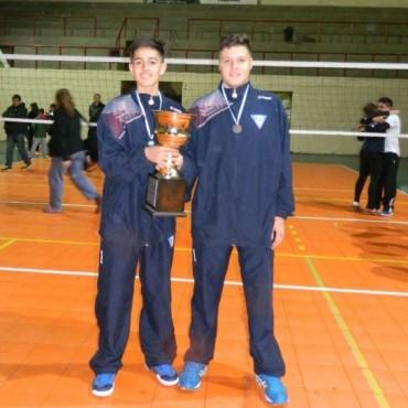 Dos bolivarenses participaron del Argentino de Vóley en Sub 13