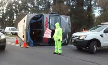 Bragado: Al menos 20 heridos por el vuelco de un micro en ruta 5