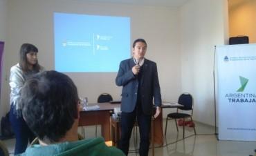 Los responsables locales de Argentina Trabaja asistieron a una jornada de capacitación en Bragado