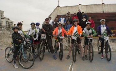 13º Campeonato Argentino de Rural Bike Rio IV: La Escuela Municipal de Ciclismo participó con 16 ciclistas