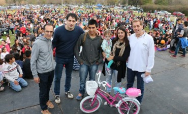 Miles de familias festejaron el Día del Niño en el parque Las Acollaradas