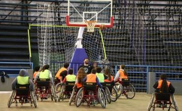 Se realizó una jornada de iniciación al básquet en silla de ruedas en el Complejo República de Venezuela