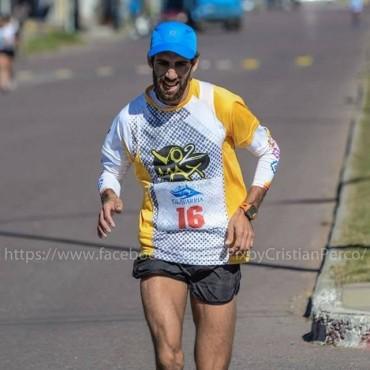 Arancibia corrió los 10K de la maratón 103 aniversario de Ferro Carril Sud