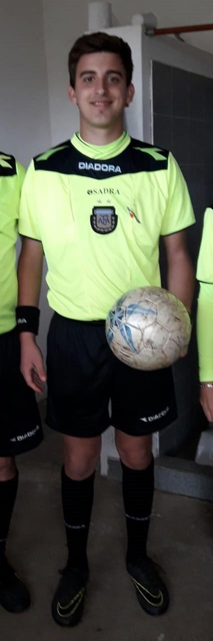 """Lucas Burgos; Arbitro: """"Los árbitros también jugamos nuestro partido, somos un equipo más"""""""
