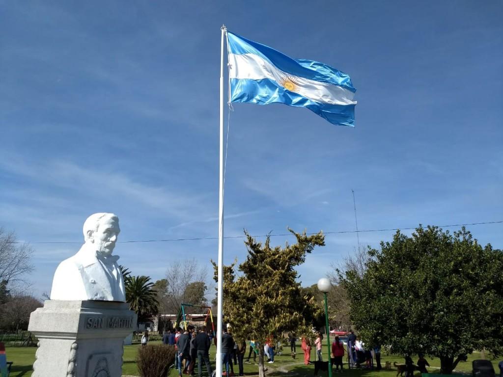 Junto a la comunidad educativa Pisano rindió homenaje a San Martín