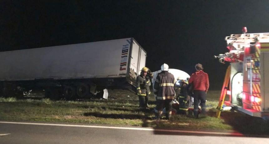 Ruta 205: Tremendo impacto entre tres camiones, dejó cinco heridos