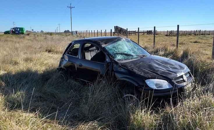 Pehuajo: Tres olavarrienses protagonizaron un accidente y vuelco en ruta 226