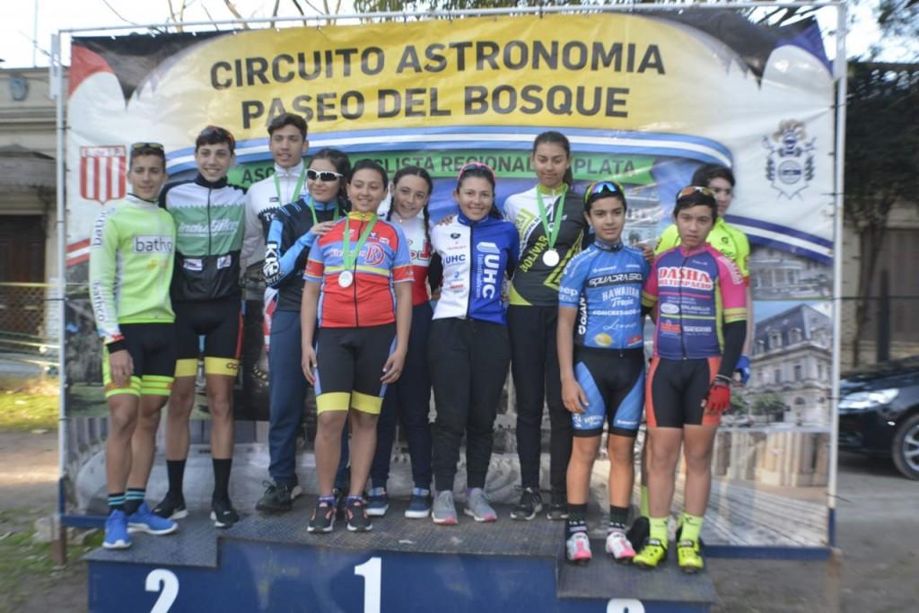 Fernanda Ruíz de la Escuela Municipal de Ciclismo logró clasificar a los Juegos Evita
