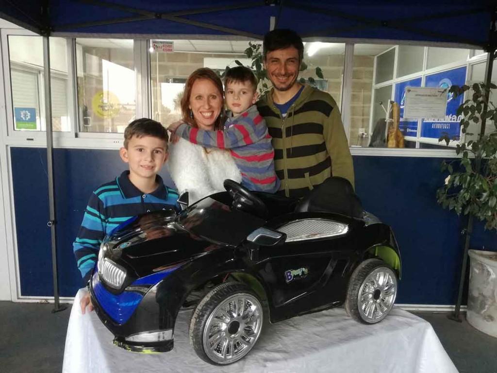 Rubén Montero Automotores sorteó el auto eléctrico