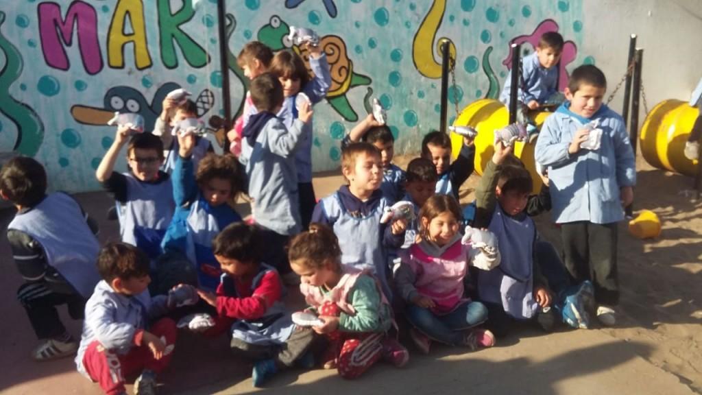 Uniendo Sonrisas y Taller Rosaura realizaron un taller de confección de juguetes textiles