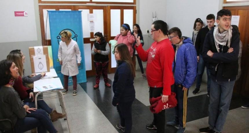 La Dirección de Discapacidad brindó un taller sobre voto accesible