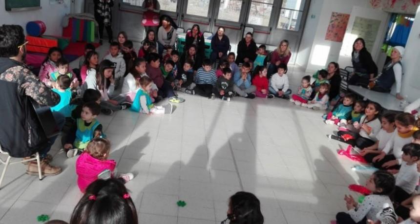 En el Jardín Municipal El Reino del Revés los CAI realizaron actividades en el marco del Día del Niño