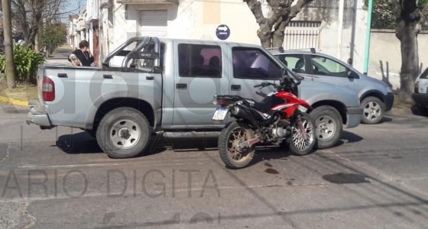 Motociclista hospitalizado tras sufrir un accidente en calle Rafael Hernández y Viamonte