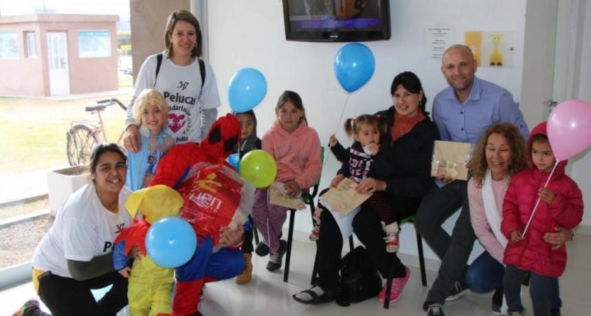 La Municipalidad entregó regalos en el servicio de pediatría del Hospital Capredoni