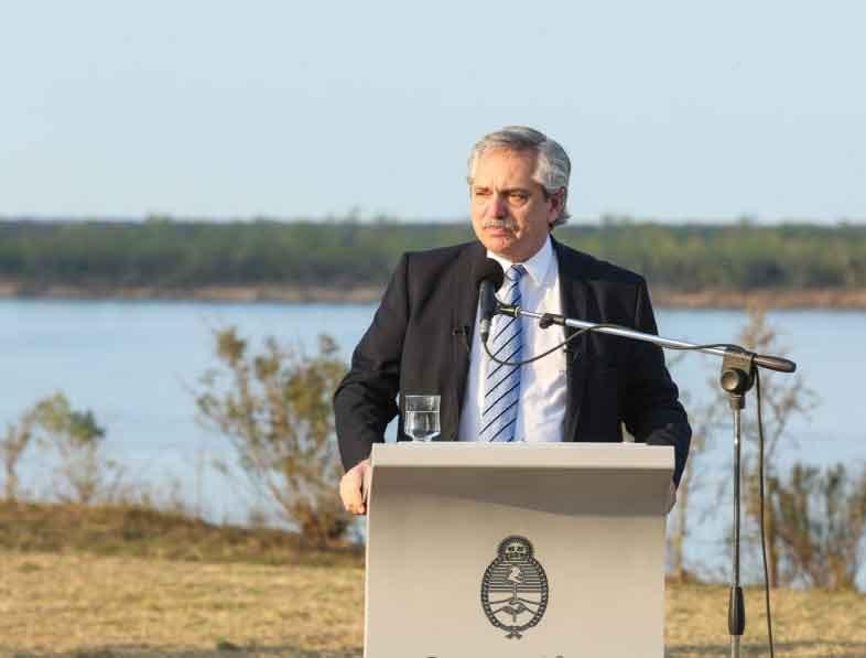 El presidente anuncio la extensión del aislamiento hasta el 20 de septiembre y habilita las reuniones de hasta 10 personas, pero Provincia analiza no adherir