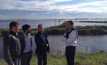 Martín Insaurralde relevó parte de la zona afectada por el agua